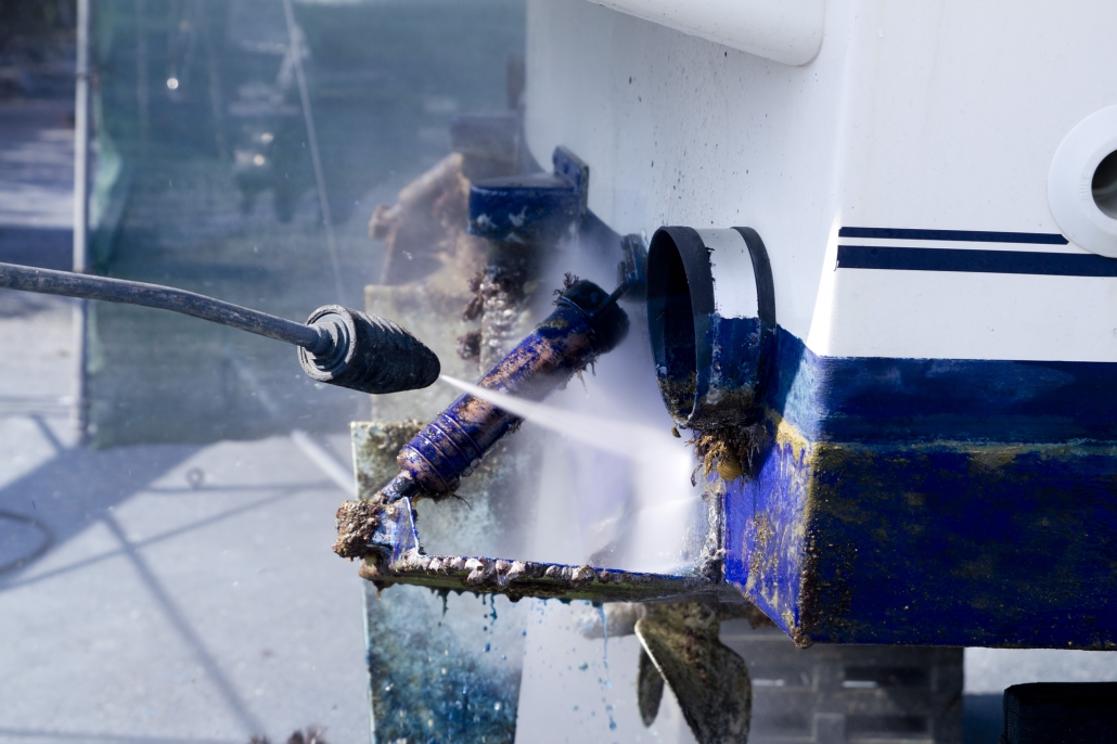 Boat hull cleaning_pressure washing_Seacole_specialty chemical