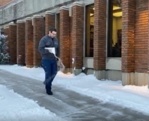 EZ Spread Ice Melt demo_Seacole